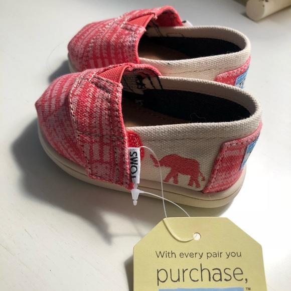 4c69801f9d7 Tiny Toms classic pink canvas elephant shoes